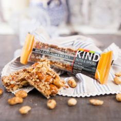 Nussriegel - Maple Glazed Peacan & Sea Salt Bar, BE-KIND