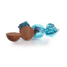 Schokoladenkugel, türkis - Vollmilchschokolade mit Amarettocreme