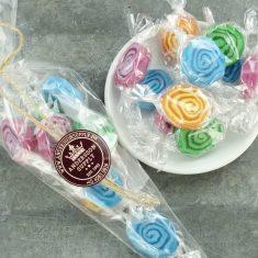 Spiral-Bonbons im Spitzbeutel