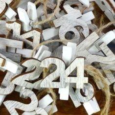 Holz-Adventsclips, Zahlen 1-24, weiß gewischt