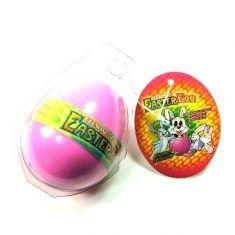 Osterhase aus dem Ei