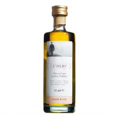 Olivenöl mit weißen Trüffeln