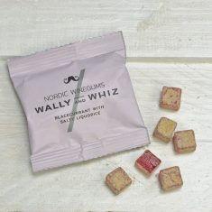 Wally and Whiz - Schwarze Johannisbeere mit salziger Lakritze, Weingummi